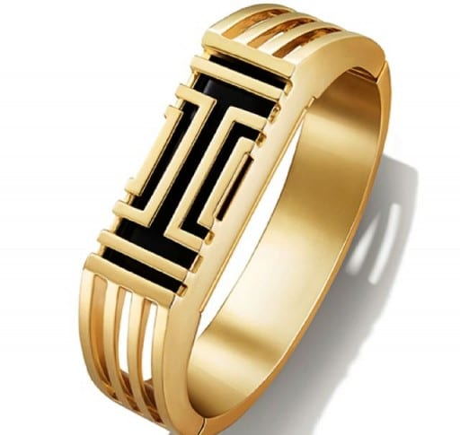 Tory Burch Creates A Stylish Fitbit Tracking Device